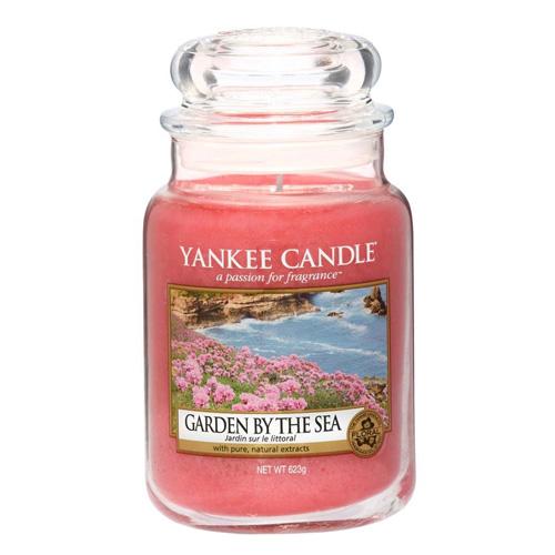 Svíčka ve skleněné dóze Yankee Candle Zahrada u moře, 623 g