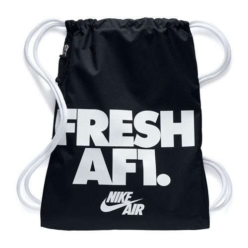 Nike NK HERITAGE GMSK 1 - GFX 30 | NSW OTHER SPORTS | ADULT UNISEX | GYM SACK | BLACK/WHIT