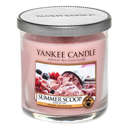 Svíčka ve skleněném válci Yankee Candle Kopeček letní zmrzliny, 198 g