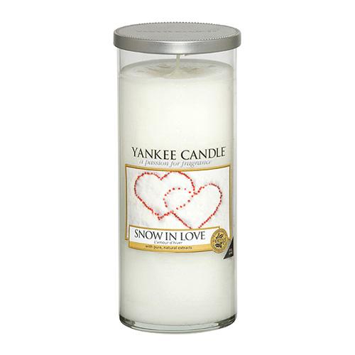 Svíčka ve skleněném válci Yankee Candle Zamilovaný sníh, 538 g