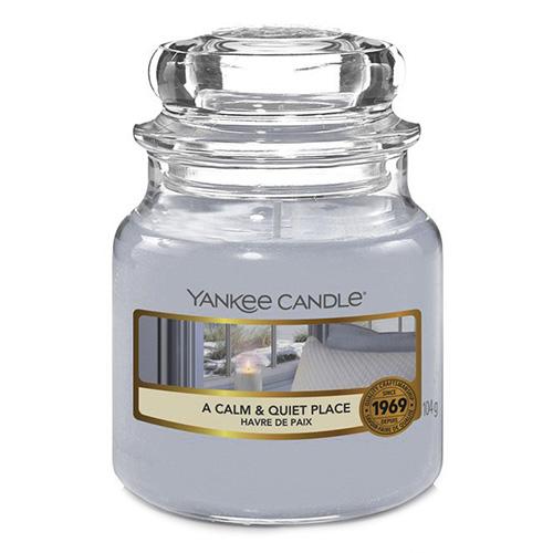 Svíčka ve skleněné dóze Yankee Candle Klidné a tiché místo, 104 g