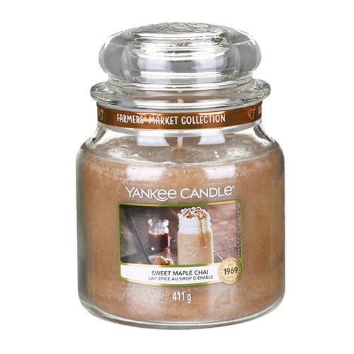 Svíčka ve skleněné dóze Yankee Candle Sladký javorový chai, 410 g
