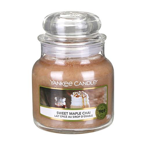 Svíčka ve skleněné dóze Yankee Candle Sladký javorový chai, 104 g