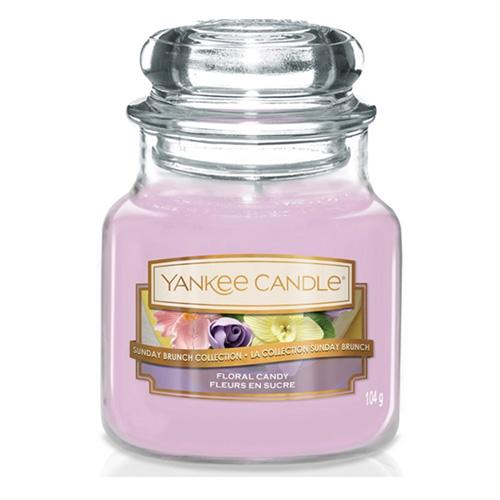Svíčka ve skleněné dóze Yankee Candle Dortík s květy, 104 g