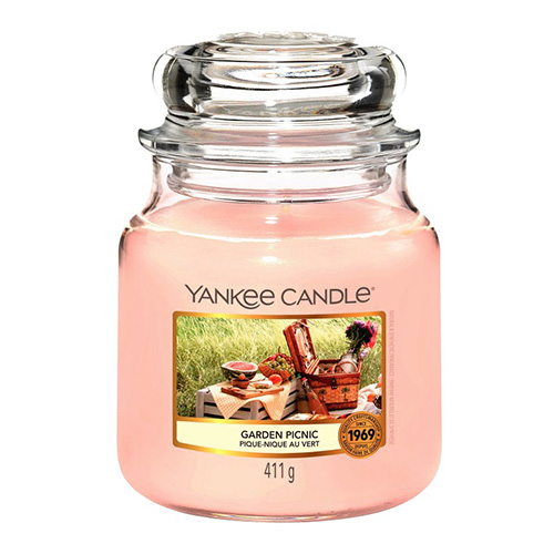 Svíčka ve skleněné dóze Yankee Candle Piknik na zahradě, 410 g