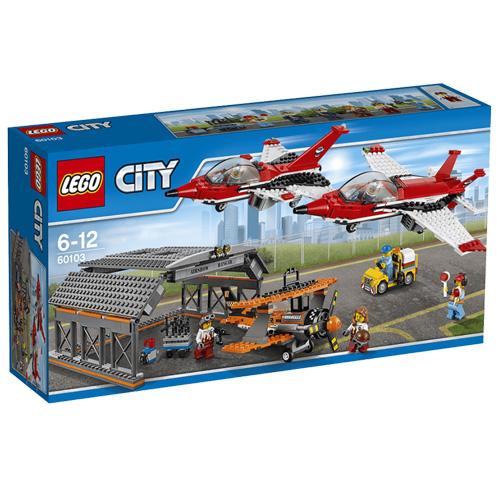 Stavebnice LEGO City Letecká šou, 670 dílků