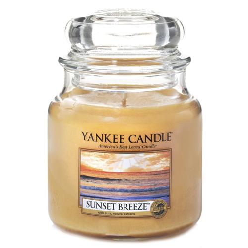 Svíčka ve skleněné dóze Yankee Candle Vánek při západu slunce, 410 g