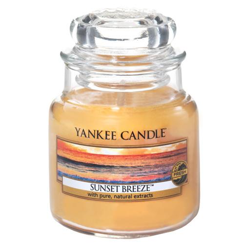 Svíčka ve skleněné dóze Yankee Candle Vánek při západu slunce, 104 g